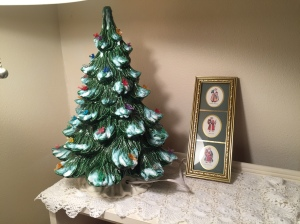 The thrifty holiday nook.